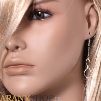 Női fülbevaló